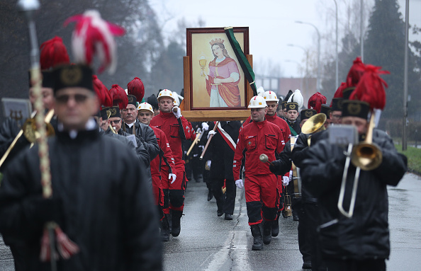 Church「As UN Climate Conference Convenes, Coal Miners Celebrate Saint Barbara」:写真・画像(7)[壁紙.com]