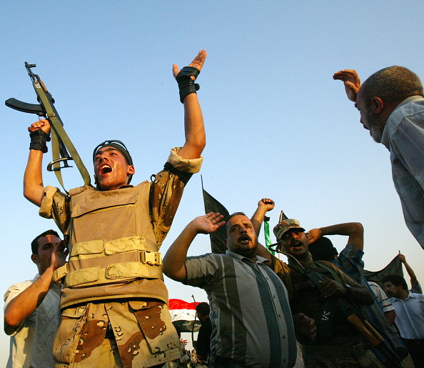 Low Angle View「Gunfire Erupts At Stampede Site In Baghdad」:写真・画像(0)[壁紙.com]