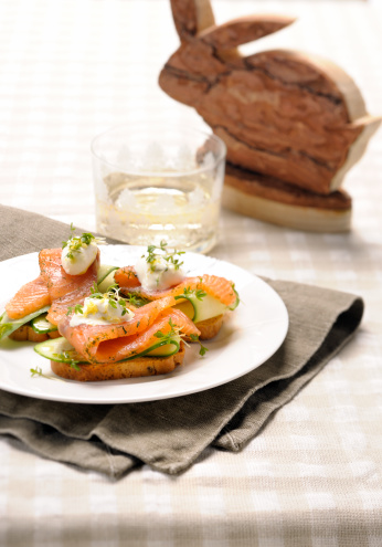 Easter Bunny「smoked salmon on toast boiled quail eggs topped with cress」:スマホ壁紙(9)
