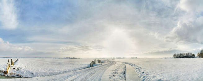 North Holland「winding winter road」:スマホ壁紙(16)