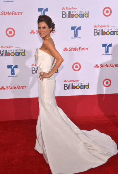 Profile View「Billboard Latin Music Awards 2012 - Arrivals」:写真・画像(10)[壁紙.com]