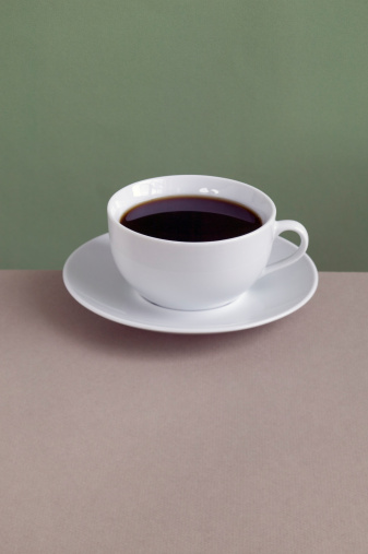 Saucer「Coffee cup and saucer on table, close-up」:スマホ壁紙(7)