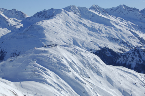 St Anton am Arlberg「View over a ski slope」:スマホ壁紙(12)