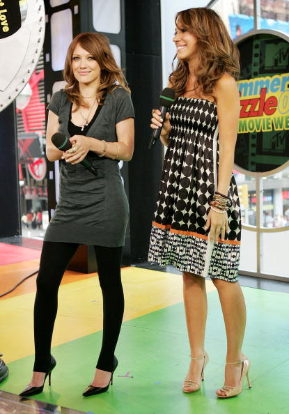 Leggings「MTV TRL With Raven Symone, Hilary and Haylie Duff」:写真・画像(16)[壁紙.com]