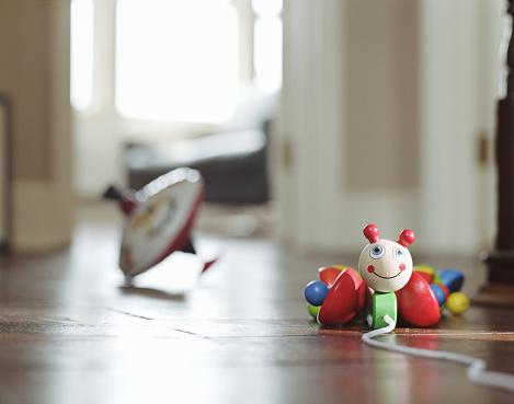 Surface Level「Children's toys on floor, ground view」:スマホ壁紙(5)