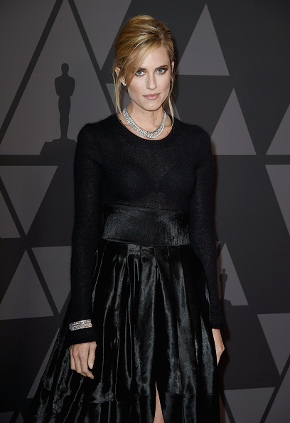 Multichain Necklace「Academy Of Motion Picture Arts And Sciences' 9th Annual Governors Awards - Arrivals」:写真・画像(2)[壁紙.com]