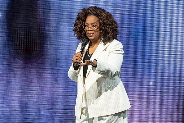 Oprah Winfrey「Oprah's 2020 Vision: Your Life In Focus Tour With Special Guest Jennifer Lopez」:写真・画像(5)[壁紙.com]