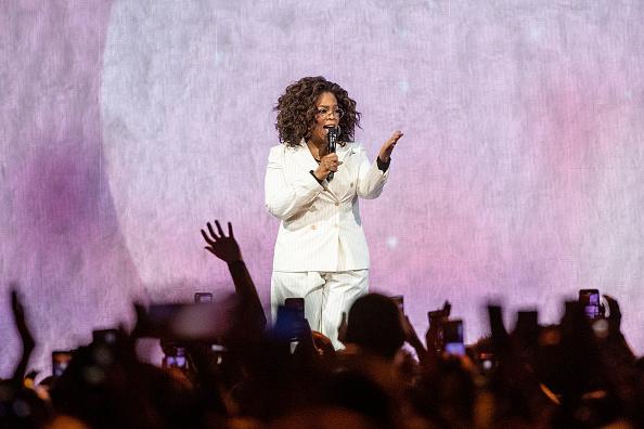 Oprah Winfrey「Oprah's 2020 Vision: Your Life In Focus Tour With Special Guest Jennifer Lopez」:写真・画像(7)[壁紙.com]
