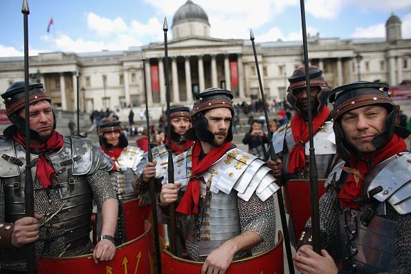 Oli Scarff「Actors Perform The Easter Passion Of Jesus In Trafalgar Square」:写真・画像(1)[壁紙.com]