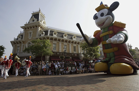 ミッキーマウス「Grand Opening Of Disneyland In Hong Kong」:写真・画像(12)[壁紙.com]