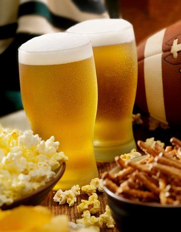 Animal Wing「Beer, Football and Snacks」:スマホ壁紙(3)