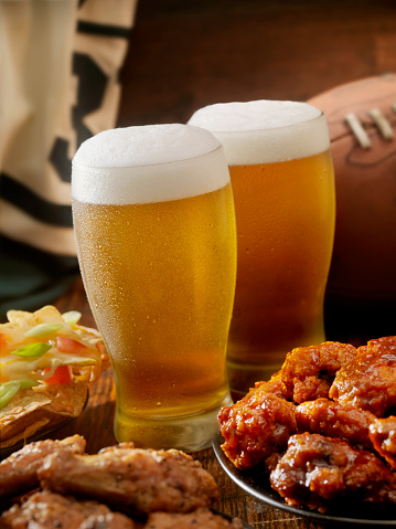 Chicken Meat「Beer, Football and Wings」:スマホ壁紙(6)