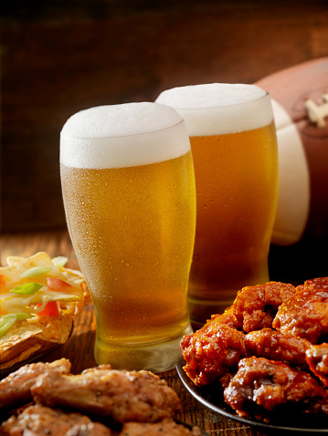 Chicken Wing「Beer, Football and Wings」:スマホ壁紙(9)