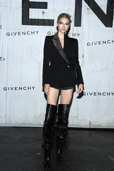 Womenswear「Givenchy : Front Row - Paris Fashion Week - Womenswear Spring Summer 2020」:写真・画像(13)[壁紙.com]
