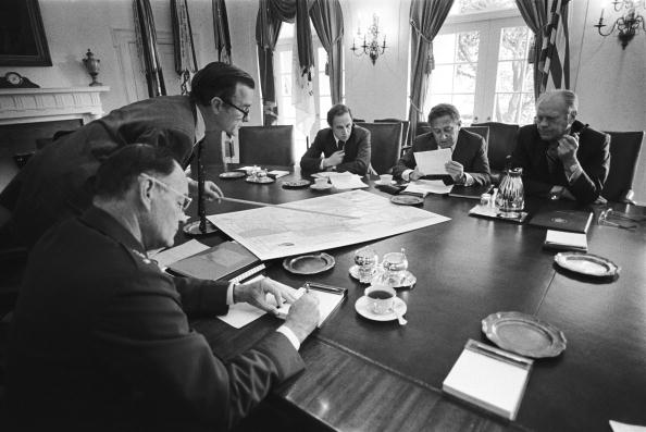Central Intelligence Agency「George H.W. Bush Leads a National Security Council Meeting」:写真・画像(16)[壁紙.com]