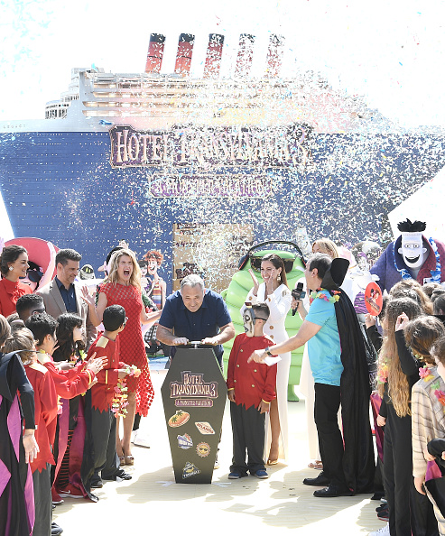 Cannes International Film Festival「Hotel Transylvania 3 Monsters Kick Off Summer Vacation By Cruising Into Cannes Film Festival - The 71st Annual Cannes Film Festival」:写真・画像(17)[壁紙.com]