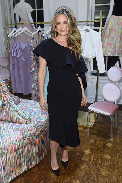 Alicia Silverstone「Christian Siriano Celebrates The Launch Of New Store, The Curated NYC, Hosted By Alicia Silverstone」:写真・画像(9)[壁紙.com]