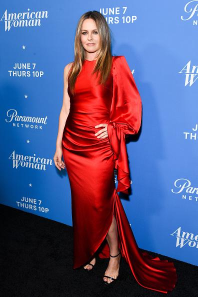 "Alicia Silverstone「Premiere Of Paramount Network's ""American Woman"" - Arrivals」:写真・画像(10)[壁紙.com]"