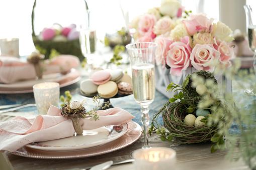 Easter Basket「Elegant Easter Dining Table」:スマホ壁紙(3)