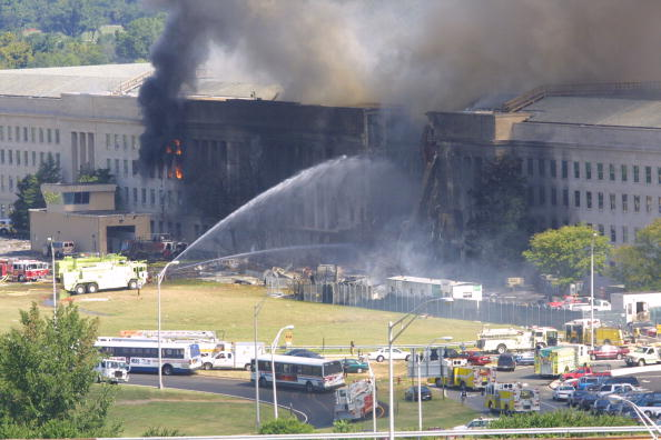 Emergency Services Occupation「A plane crashed into the Pentagon」:写真・画像(7)[壁紙.com]