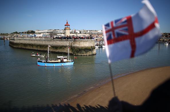 Harbor「Little Ships Depart For Dunkirk To Celebrate 75th Anniversary」:写真・画像(19)[壁紙.com]