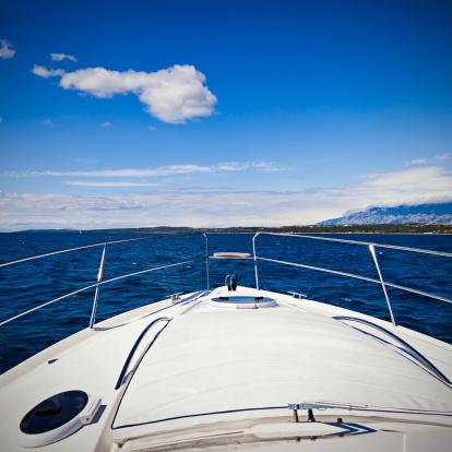 船・ヨット「Foredeck のモダンなヨット」:スマホ壁紙(6)