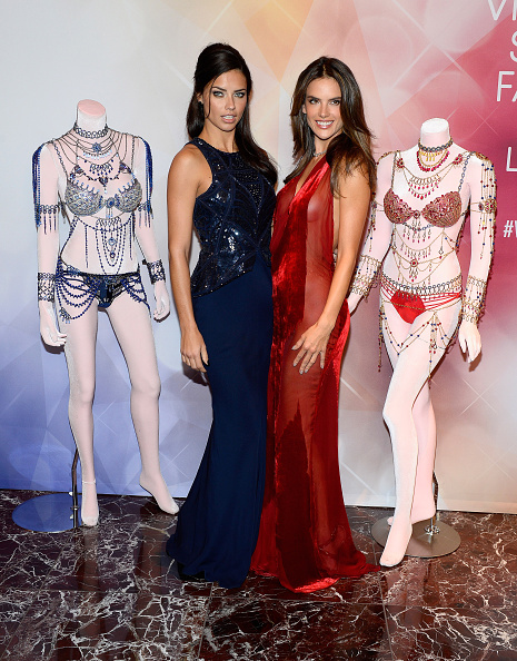 Victoria's Secret Fantasy Bra「Victoria's Secret Angels Adriana Lima  and Alessandra Ambrosio Debut Dream Angels Fantasy Bra By Mouawad」:写真・画像(6)[壁紙.com]