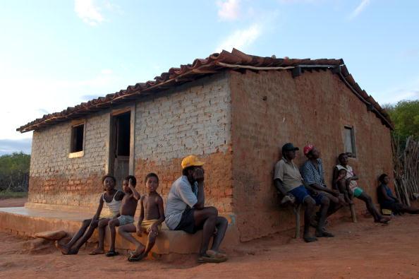 Binary Code「Brazil Initiates Program To Eradicate Malnutrition」:写真・画像(11)[壁紙.com]