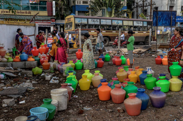 Indians Tackle With Water Crisis In Chennai:ニュース(壁紙.com)