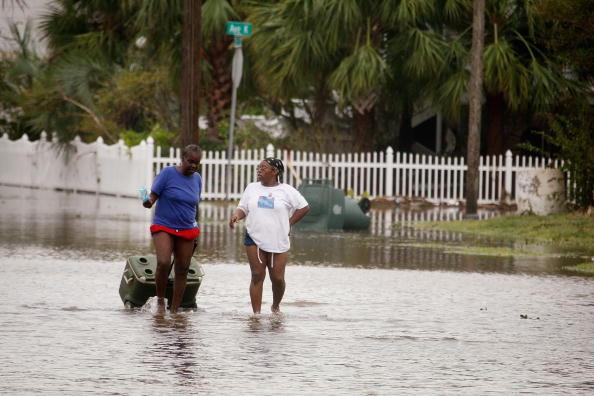 Hurricane Ike「Hurricane Ike Makes Landfall On Texas Coast」:写真・画像(0)[壁紙.com]