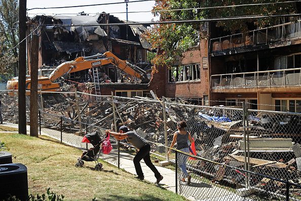 Silver Spring「Sixth Body Recovered After Explosion At Maryland Apartment Complex」:写真・画像(2)[壁紙.com]