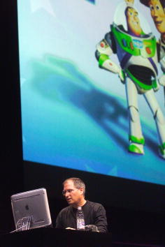 Pixar「Steve Jobs at Macworld」:写真・画像(2)[壁紙.com]