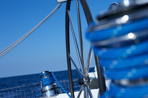 Focus On Background「Winch and steering wheel on sailboat」:スマホ壁紙(12)