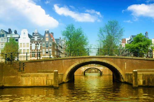 Amsterdam「Golden Canal In Amsterdam, The Netherlands」:スマホ壁紙(15)