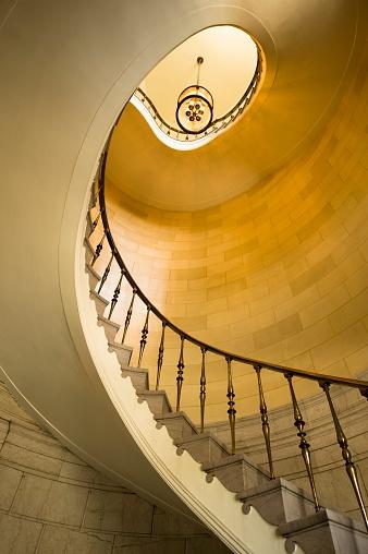 Low Angle View「Winnipeg, Manitoba, Canada; winding staircase」:スマホ壁紙(14)