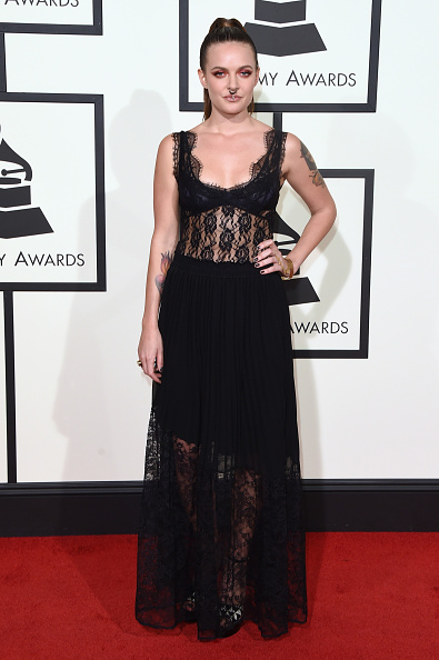 Grammy Award「The 58th GRAMMY Awards - Arrivals」:写真・画像(18)[壁紙.com]