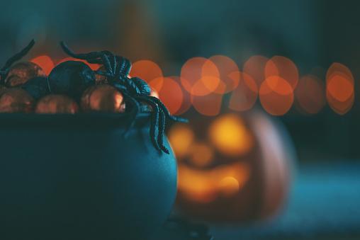 October「Jack O'Lantern with cauldron of candy」:スマホ壁紙(1)