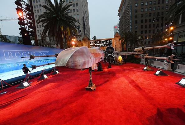 "Franchising「Premiere Of Walt Disney Pictures And Lucasfilm's ""Rogue One: A Star Wars Story"" - Arrivals」:写真・画像(2)[壁紙.com]"