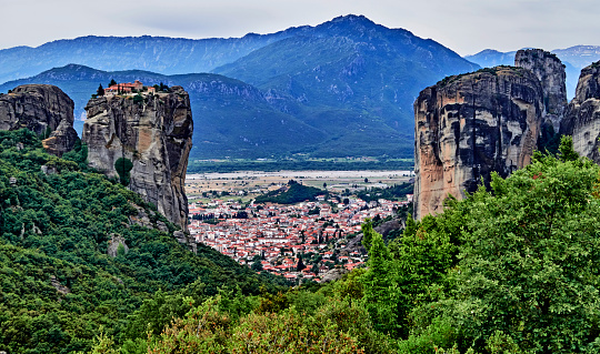 World Heritage「The Holy Trinity monastery in the Meteora.」:スマホ壁紙(12)