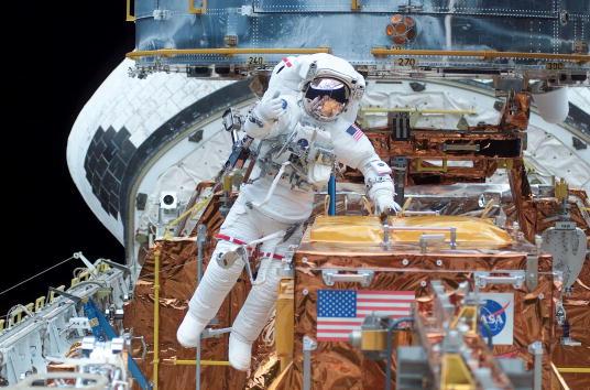 Hubble Space Telescope「Hubble Space Telescope Repair」:写真・画像(16)[壁紙.com]