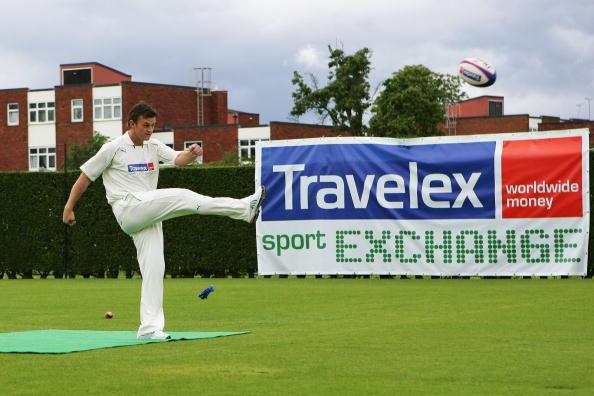 Adam Gilchrist「Travelex Sport Exchange Launch」:写真・画像(9)[壁紙.com]