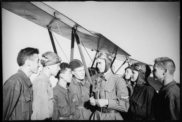 Max Penson「On The Airfield」:写真・画像(3)[壁紙.com]