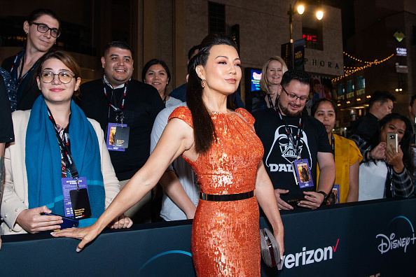 "The Mandalorian - TV Show「Premiere Of Disney+'s ""The Mandalorian"" - Red Carpet」:写真・画像(16)[壁紙.com]"