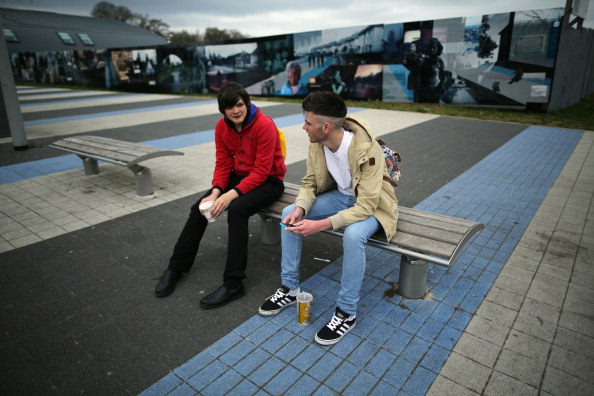 Bench「The Town With Britain's Highest Youth Unemployment Rate.」:写真・画像(8)[壁紙.com]