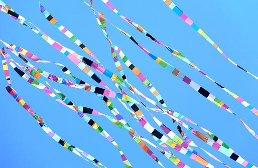 kite flying「Ribbons」:スマホ壁紙(9)