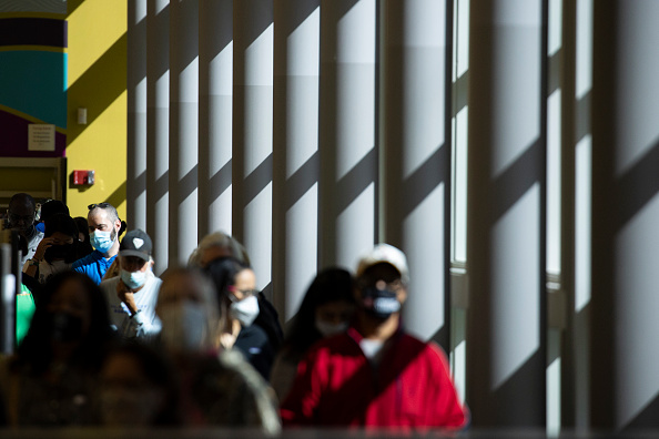 Waiting In Line「Early Voting Begins In Tennessee」:写真・画像(19)[壁紙.com]