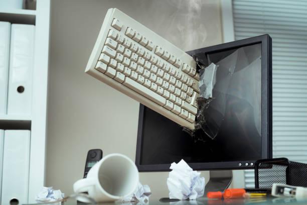 Computer monitor:スマホ壁紙(壁紙.com)