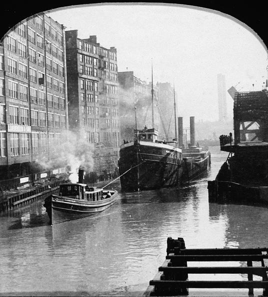 Transportation「Tugboat Along The Chicago River」:写真・画像(12)[壁紙.com]