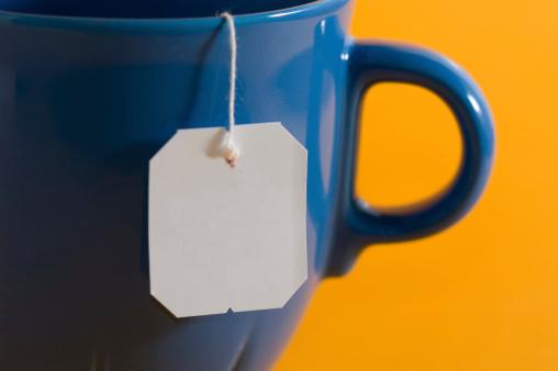 Teabag「teabag label hanging from a mug」:スマホ壁紙(15)