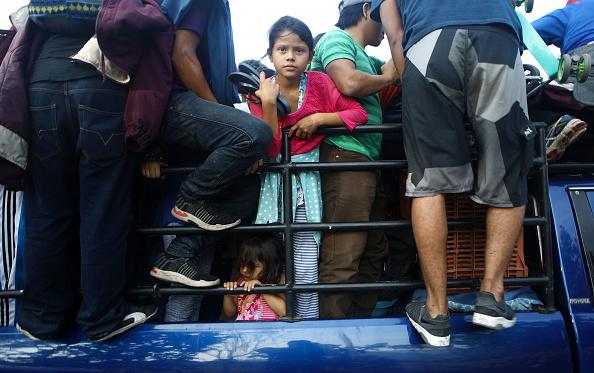 金融と経済「New Migrant Caravan Travels From Honduras To U.S. -Mexico Border」:写真・画像(19)[壁紙.com]